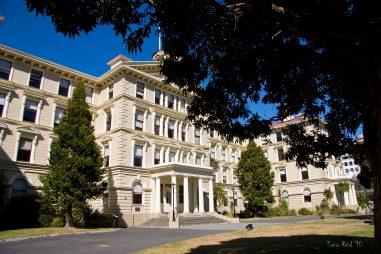 Học bổng Colin Aikman, Đại học Victoria Wellington, New Zealand, 2019