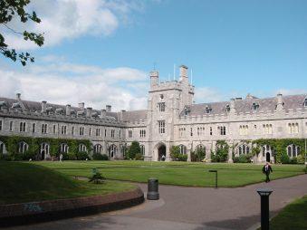 Học bổng Thạc sĩ của Trường Cao đẳng Nghệ thuật, nghiên cứu văn hóa Celtic và Khoa học Xã hội(CACSSS), Ireland 2015