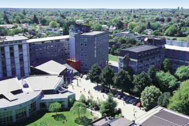 Học bổng Cử nhân của Đại học Canterbury, New Zealand 2016