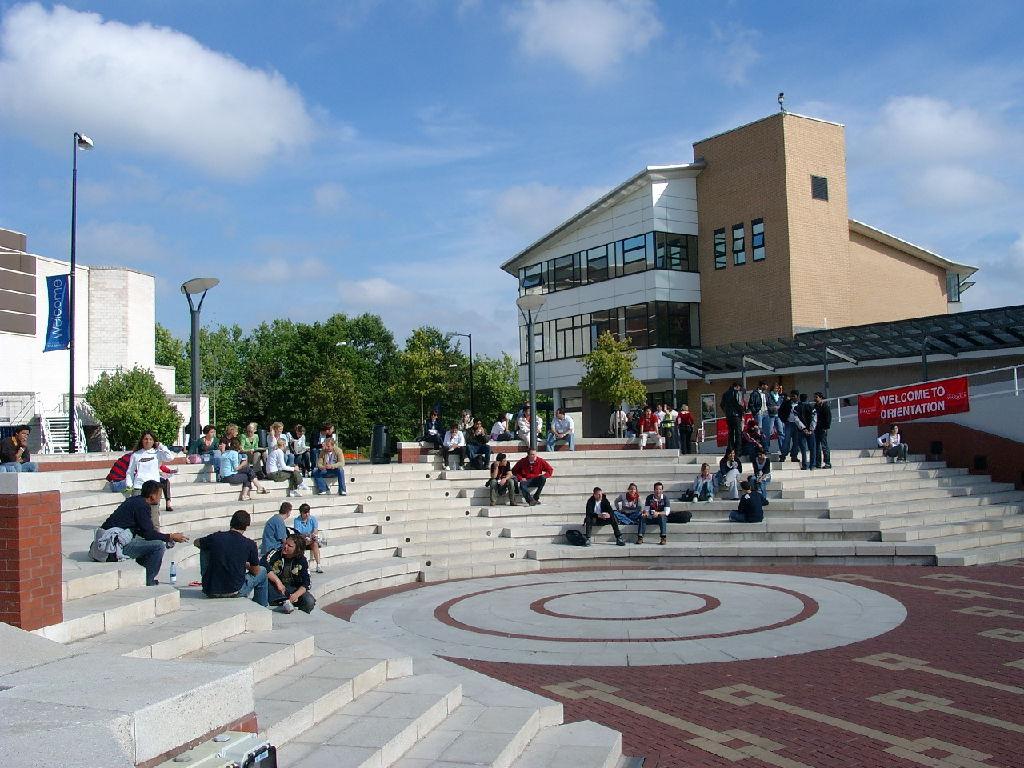 Đại học Warwick, Vương quốc Anh