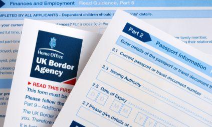 Làm việc tại Vương quốc Anh sau khi tốt nghiệp: Hướng dẫn thủ tục thị thực (visa)
