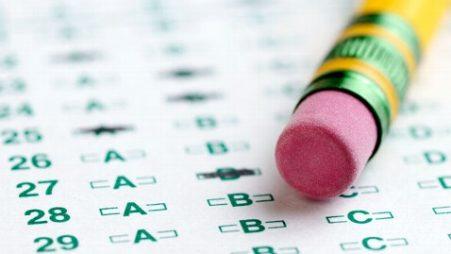 Phân biệt các bài thi chuẩn hóa của Mỹ