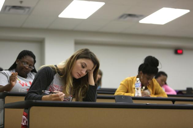 3 việc cần làm sau khi bạn nhận được điểm thi cuối kì
