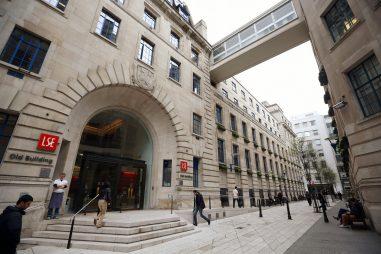 Những trường đại học tốt nhất về ngành Kinh tế tại Anh quốc