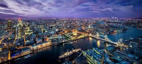Học bổng dành cho nữ sinh, Trường Kinh doanh, ĐH Hoàng Gia London, Anh, 2017