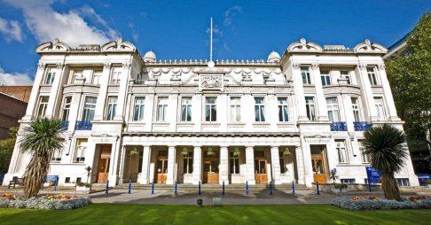 Học bổng toàn phần Thạc sĩ Luật, Đh Queen Mary of London, Anh, 2017-2018