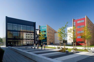 Học bổng của Đại học Brunel, Anh, 2017