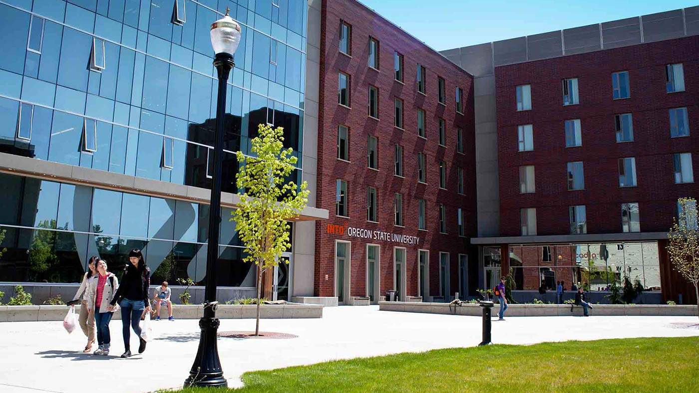 INTO-OSU-intro-students-walk-infront-ILLC-exterior