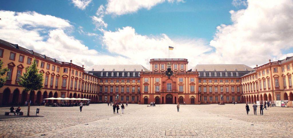 csm_Schloss_Uni_Mannheim_c10b57afd3