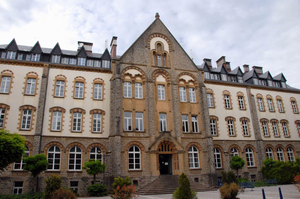 universitc3a9_du_luxembourg_campus_limp_bc3a2timent_central_2008