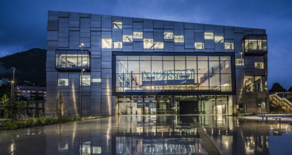 Arch2O-Faculty-of-Fine-Art-Music-and-Design-Snøhetta-20-1-750x400