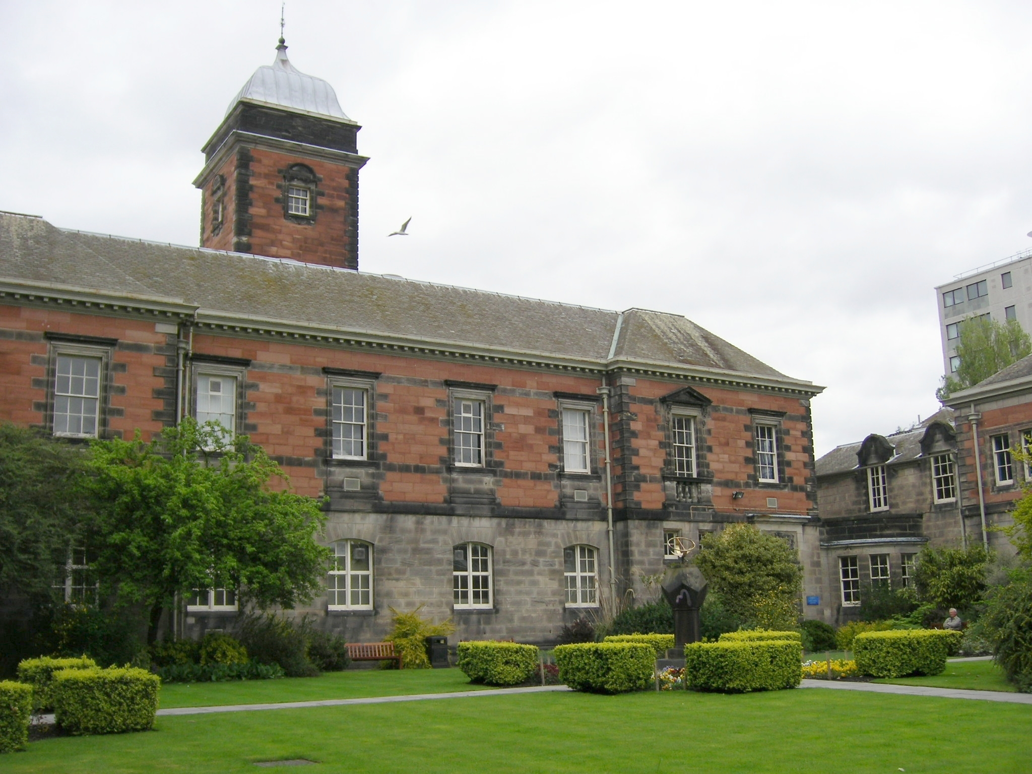 Dundee_University