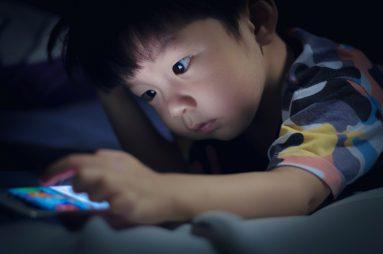 Hàng ngàn ứng dụng tải về từ Google Play đang theo dõi trẻ em trái phép mà phụ huynh không hề hay biết