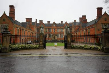 Học bổng Phyllis Mary Morris Bursaries, Đại học Bristol, Anh, 2019