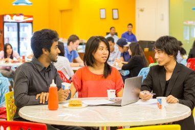 Trải nghiệm học tại trường top 4 về chương trình 1-year MBA