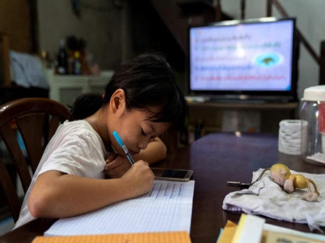 Philippines: Học sinh ở nhà cho tới khi có vaccine Covid-19